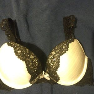 Victoria's Secret Dream Angels 34B Push Up Bra